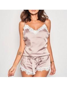 Pijama de mujer en tono nude satinado con encaje Hope