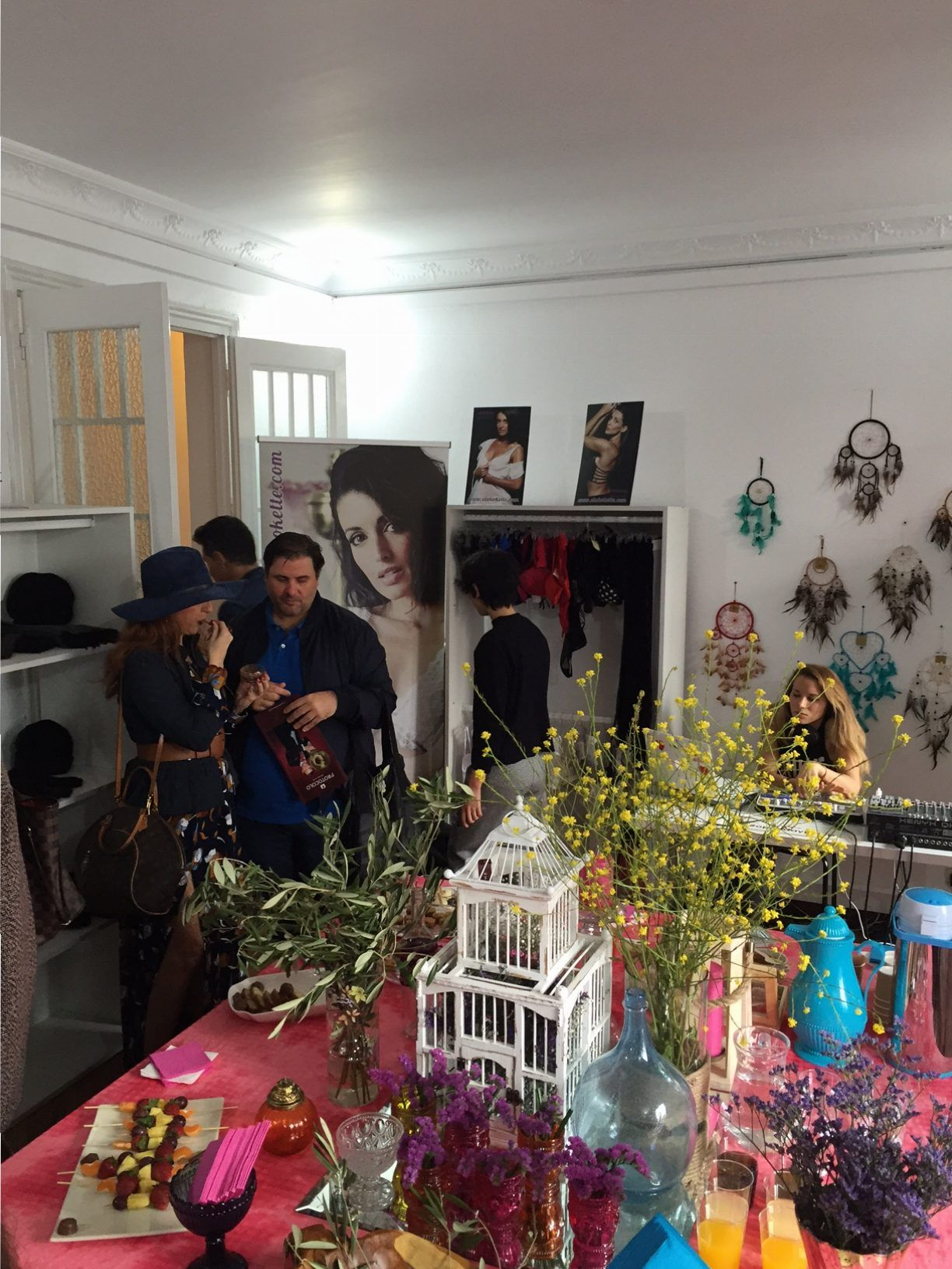 Presentacíón de lenceria elegante sexy presentación de imagen de Noelia4