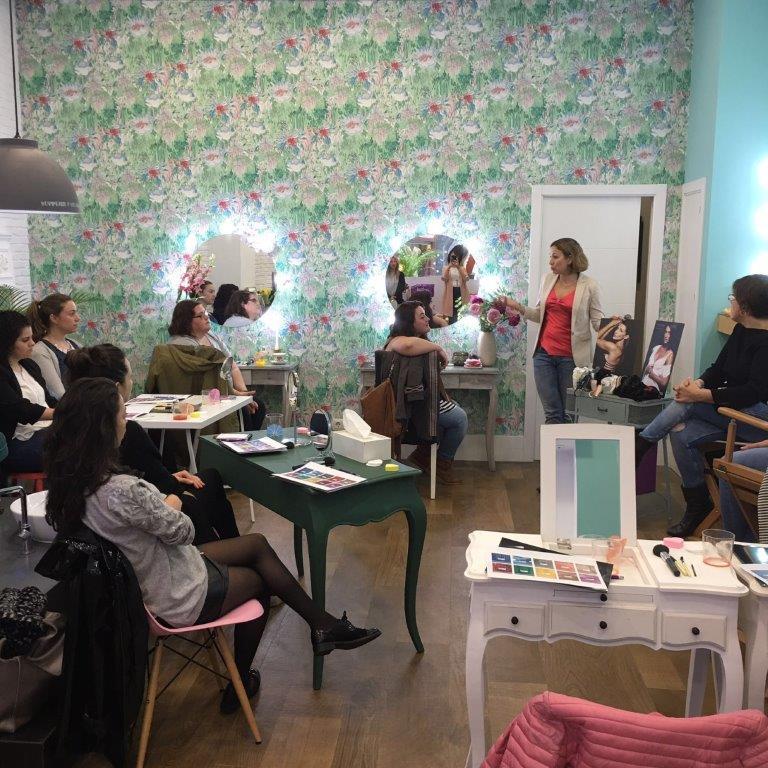 taller de maquillaje asesoria de imagen lenceria E-lakokette